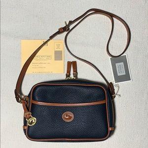 NEW Vintage Dooney & Bourke AWL Camera Zip Top Bag